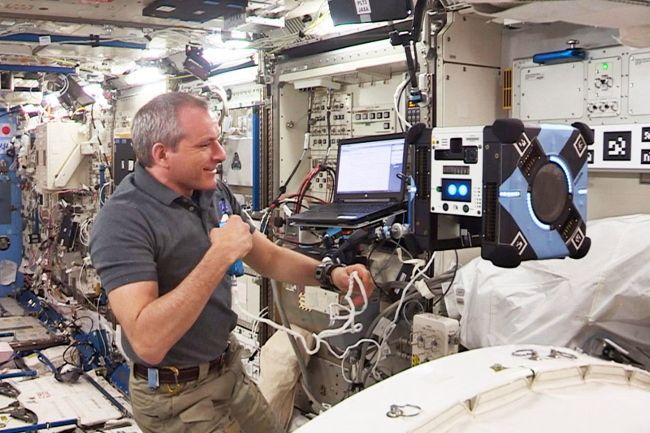 Робот Astrobee от NASA