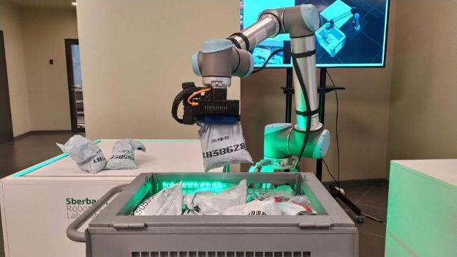 Сбер и Microsoft разработали уникальную ИИ-систему управления роботами