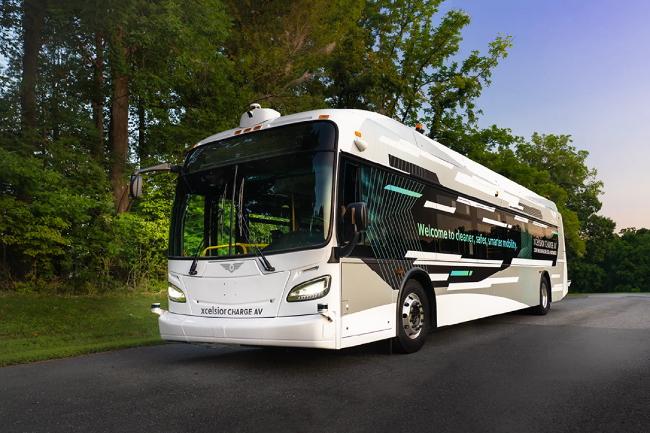 New Flyer запускает первый в Северной Америке пассажирский автобус 4 уровня автономности