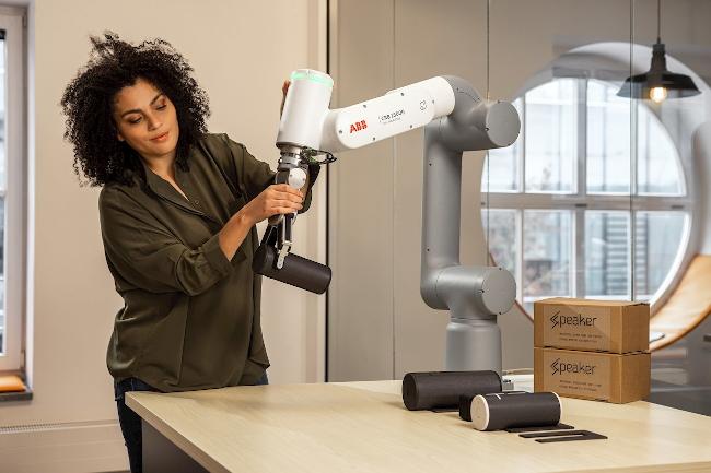 АВВ выпускает коллаборативного кобота GoFa™ с высокой полезной нагрузкой для работы с грузами до 5 кг