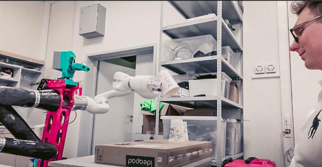 Содружество робототехнических команд под эгидой компании Dragon Tree Labs стало первым российским полуфиналистом международного конкурса ANA Avatar XPRIZE с призовым фондом $10 млн